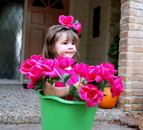 flowerpotquickcostumetoddler Flower Pot Girl Costume Tutorial