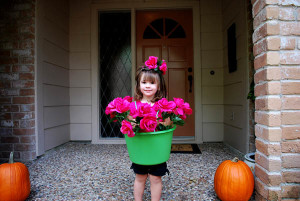 Last Minute Halloween Costume – Flower Pot Girl from The Dollar Store!