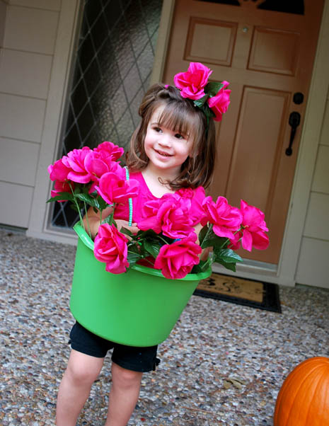Flower pot girl costume tutorial clumsy crafter for Quick halloween costumes for toddlers