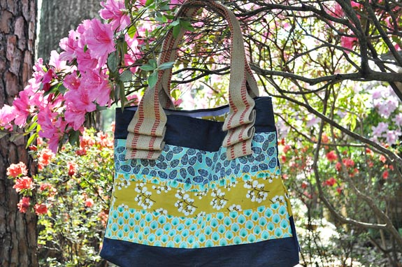Scrappy Tote Bag from Clumsy Crafter