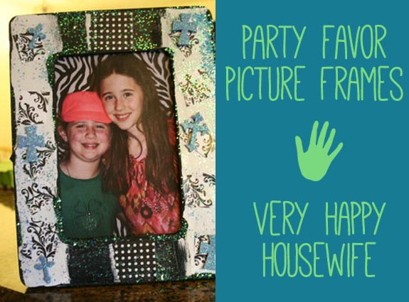 Party Favor Picture Frames from The Happy Housewife