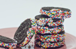 Oreos With Sprinkles – Easy Dessert