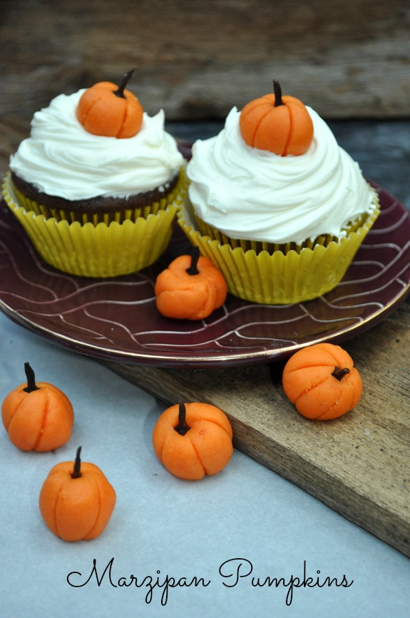 Pumpkin Cupcake Toppers using Marzipan Pumpkins