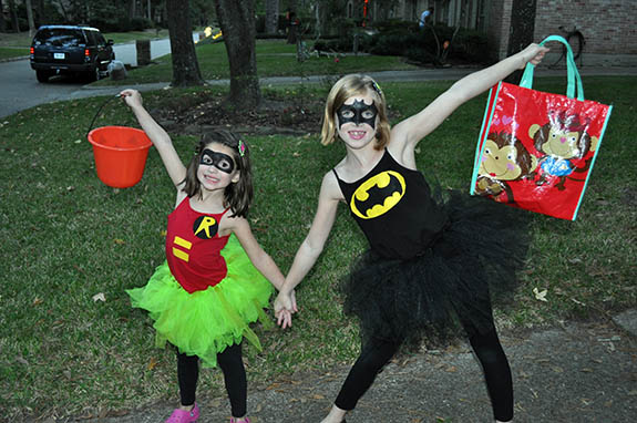 batman and robin costume for girls & batman and robin costume for girls - Clumsy Crafter