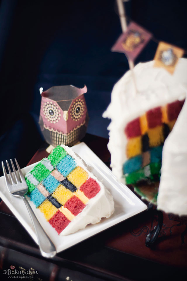 Hogwarts-House-Colors-Cake