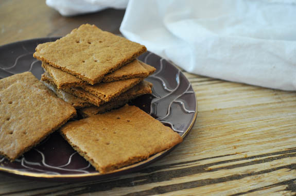 homemade graham cracker recipe - so easy!