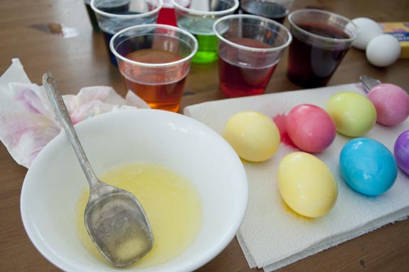 How to dye easter eggs with butter