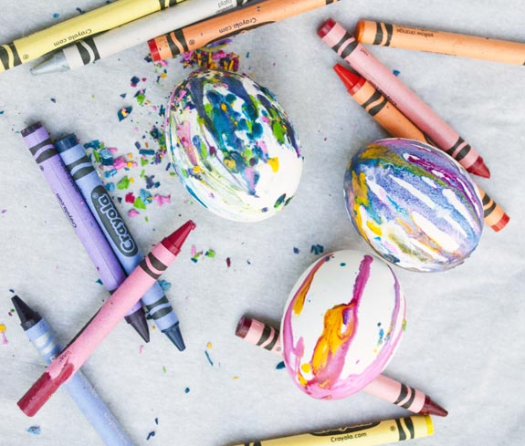 how to make crayon easter eggs