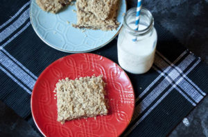 Gluten Free Strawberry Oatmeal Bar Recipe - so yummy!