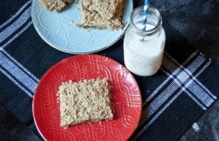 Gluten Free Strawberry Oatmeal Bar Recipe - so yummy!