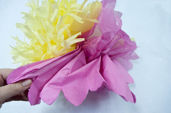 fancy tissue paper flower that's easy to make