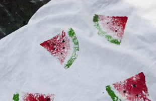 How to Make Watermelon Prints Using Sponges!