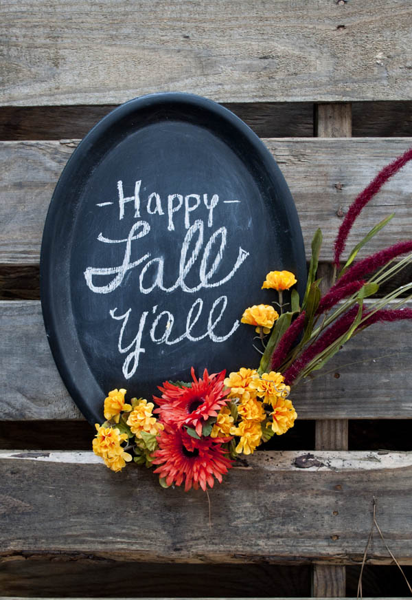 easy fall decoration using dollar store crafts! Less than $10 to create this chalkboard