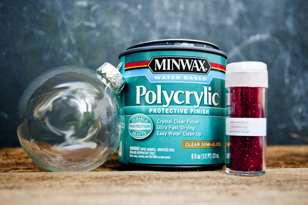 using polycrylic to make glitter ornaments