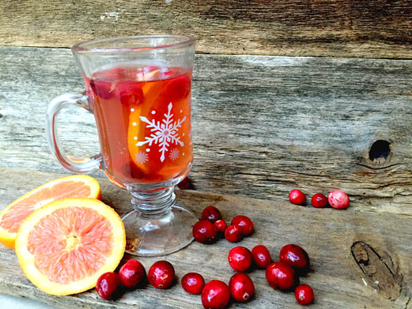 easy cranberry tea recipe from Clumsy Crafter