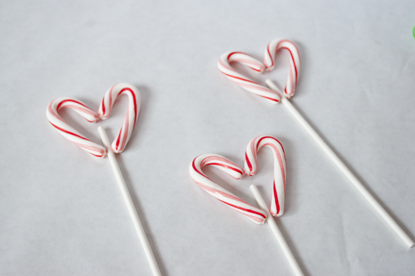 heart lollipops using candy canes
