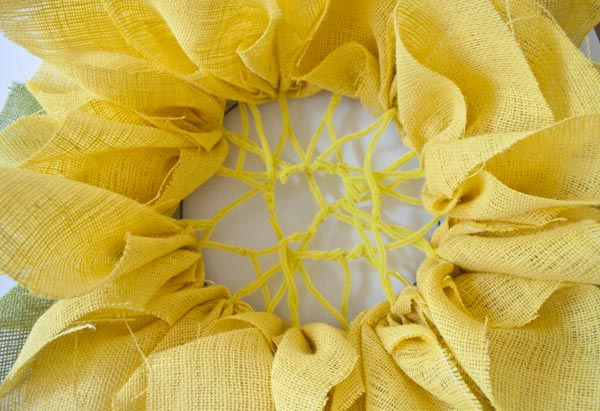how to make a burlap wreath that looks like a sunflower