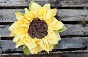 How to Make a Sunflower Burlap Wreath