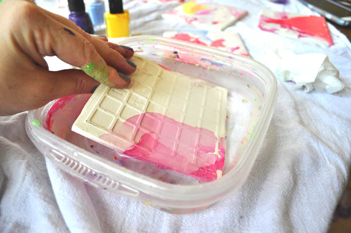 how to decorate tile coasters using nail polish and water