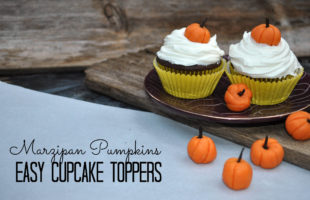 Hold Your Christmas Lovin' Horses – It's Still Pumpkin Time! How to Make Pumpkin Cupcake Toppers!