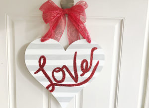 Easy DIY Valentine's Day Sign