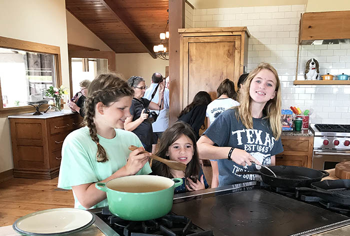 the pioneer woman cooks lodge tour
