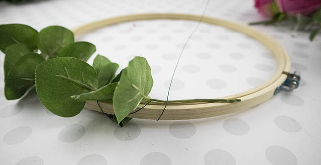 simple hoop wreath instructions