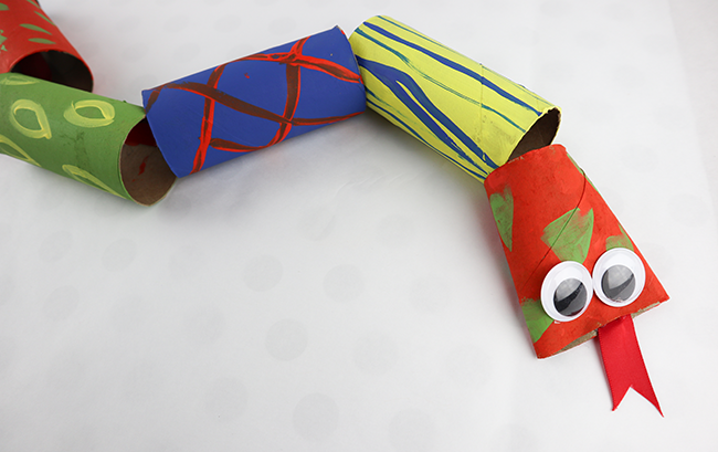 snake craft for kids made from toilet paper rolls