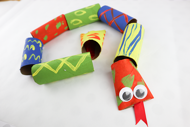 toilet paper roll snakes - fun craft for kids