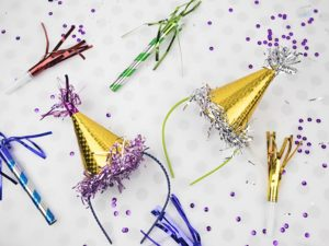 Mini Party Hats – DIY Dollar Store Crafts