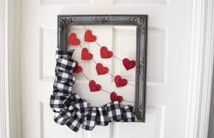 The Sweetest Valentine's Day Wreath / Door Hanger