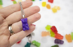 Simple Gummi Bear Resin Necklaces – Fun and Easy!