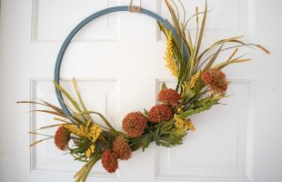 Easy Fall Decor – DIY Hoop Wreath
